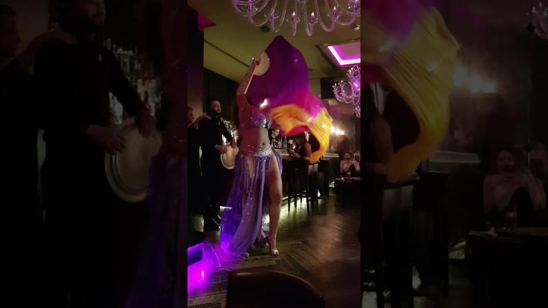 Francesca Belly Dancer @ Mamounia Lounge Mayfair - London - Fan veils