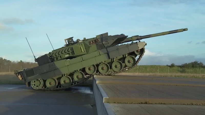 Danish Leopard 2A7 during obstacle course live fire exercises
