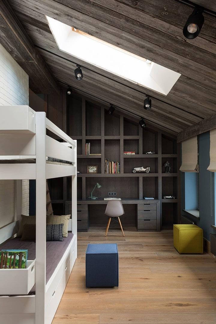 Таунхаус с элементами шале в бывшем гаражном помещении в Москве от KRAUZE architects || 01