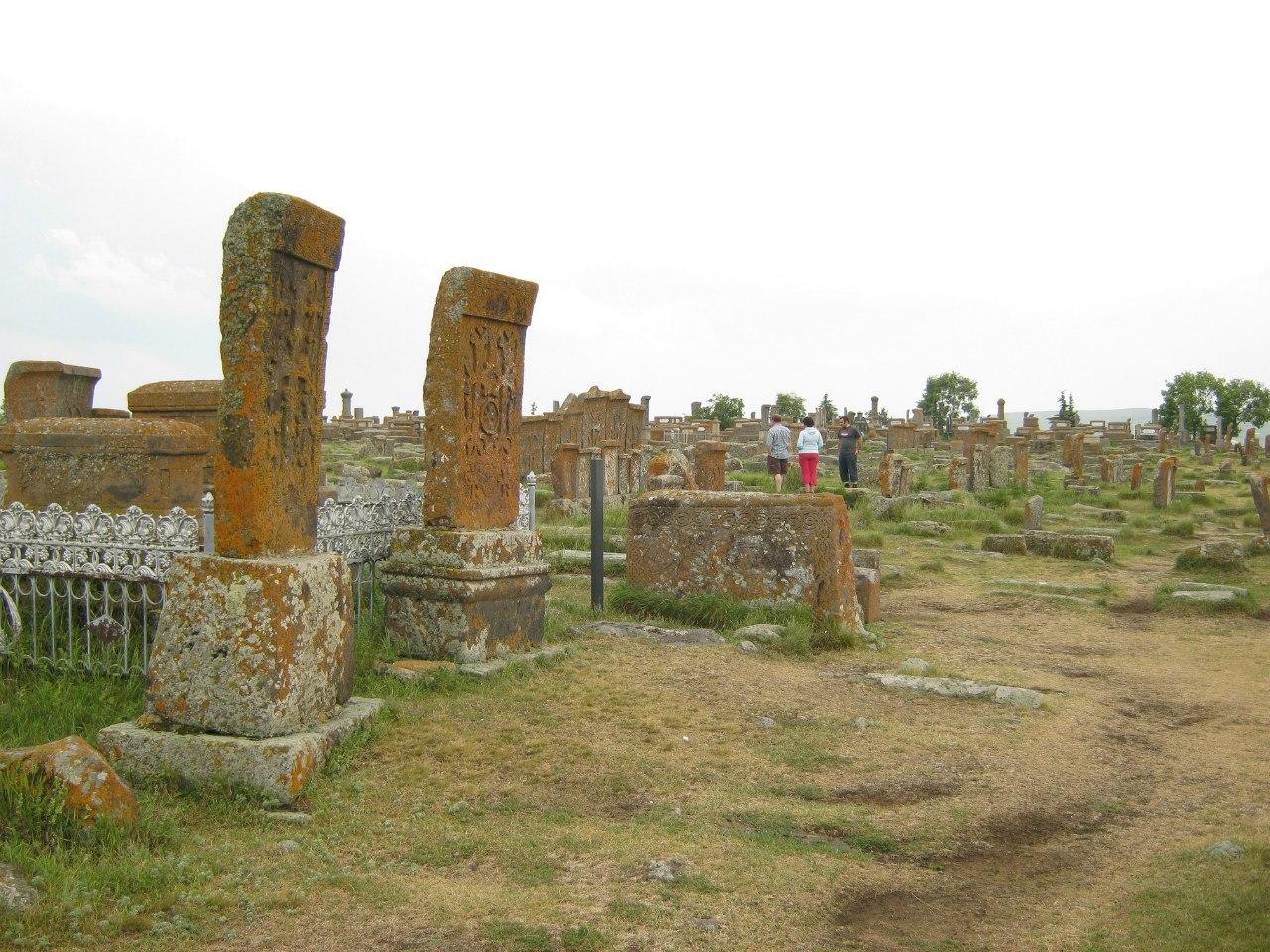Кладбище тысячи хачкаров в Армении