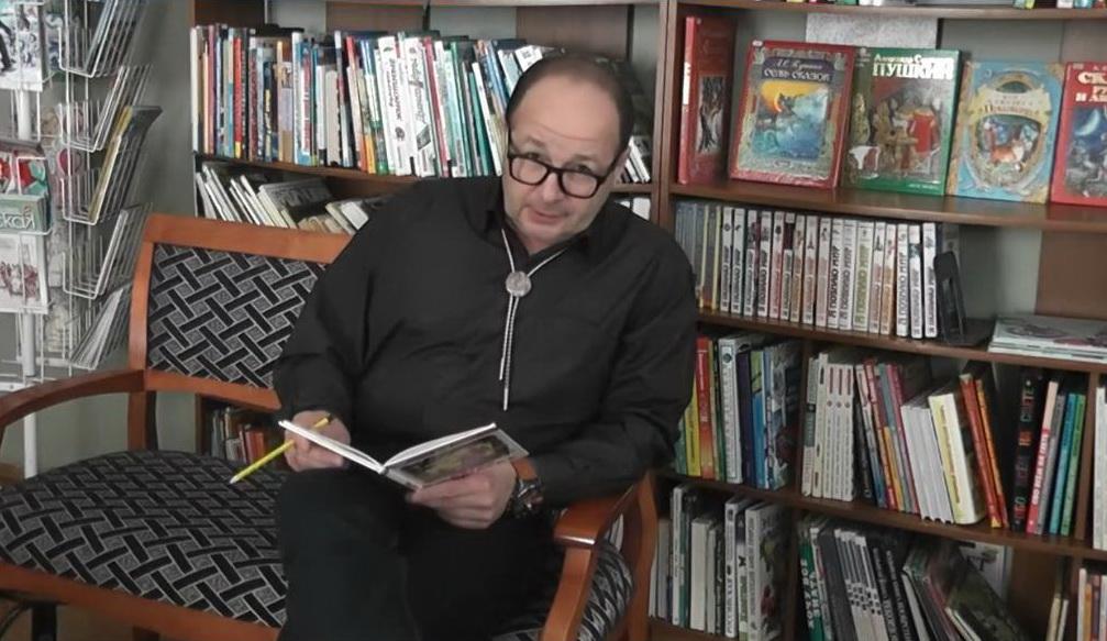 Саратовские актёры, писатели и спортсмены читают любимые книги детства