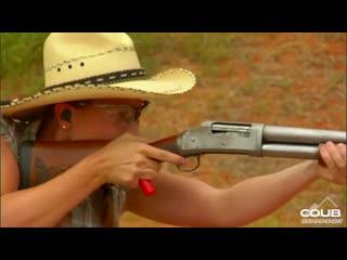 Jasmine Jessies unique shotgun loading technique (Hottie of the range 2.)