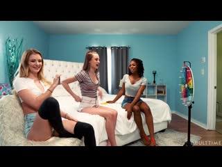 Riley Star, Kyler Quinn and Hazel Grace - 9 Dares [Lesbian]