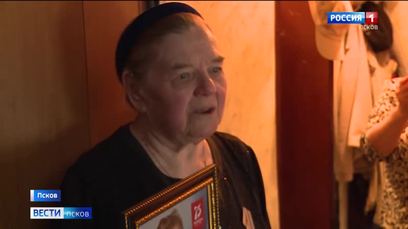 В День Победы волонтеры Команды 2018 вручали ветеранам Великой Отечественной войны подарки