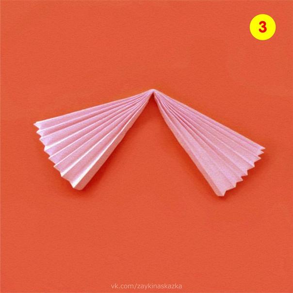 ПОДЕЛКА «ДЕВИЦА-КРАСАВИЦА» Куколка из цветной бумагиПонадобятся:цветная бумагаготовые глазкиклейфигурный дыроколстразышаблоны из картонаХод работы:1. Сложить «гармошкой» лист А4 голубого