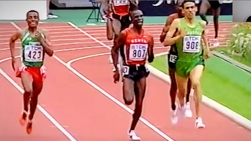 18 YEAR OLD Eliud Kipchoge OUTSPRINTING Kenenisa Bekele and Hicham El Guerrouj 5000m Championship