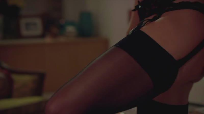 Гвинет Пэлтроу, приватный танец в нижнем белье.