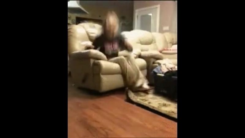 Видео когда разозлил собаку Video when angry dog Dbltj rjulf hfpjpkbk cj,fre