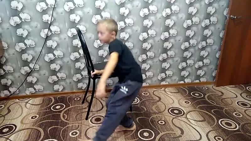 Куликов Михаил Приседания на одной ноге 2