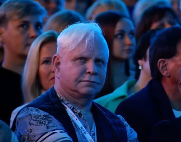 Выражение лица Бориса Моисеева, когда Лолита пела: