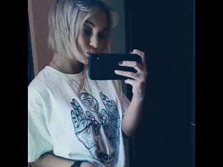 Девушки по всему миру скидывают свои голые фотки тем, кто задонатит деньги на тушение пожаров в Австралии
