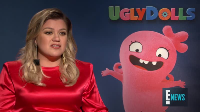 """Kelly Clarkson Did """"UglyDolls"""" For Herself, Not For Her Kids ¦ E! Red Carpet Award Shows"""