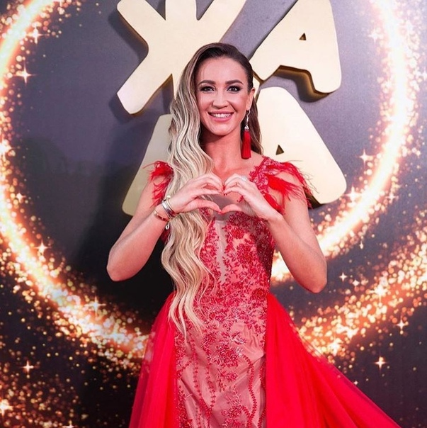 Ольга Бузова набрала 1,2 миллиона подписчиков в V!