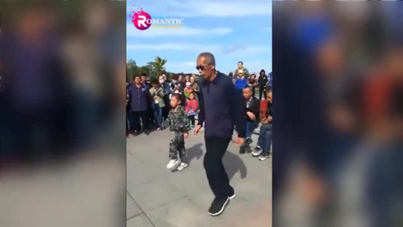 Этот дед взорвал интернет. Танцем!