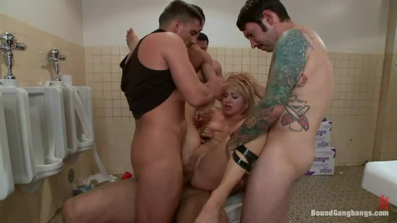 Секс с красоткой порнуха порно gjhyj зщктщ porno минет