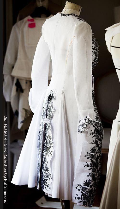 Как работают в мастерских Dior