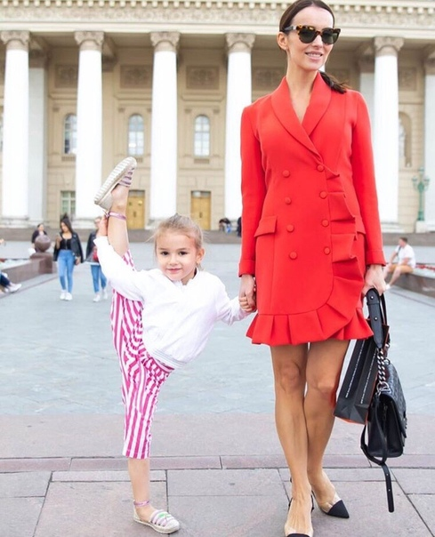 Это не шутка. Юлия Земина (звезда сериала Кармелита) рассказала, что ее дочка фанатка Анастасии