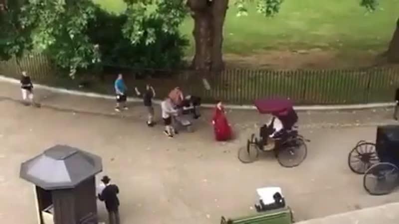 NEW Милли на съемочном процессе фильма Тайны Энолы Холмс