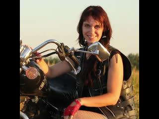 Девушку исключили из клуба байкеров по гендерному признаку