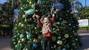 Милана развлекается в водном парке развлечений / Milana has fun in a water amusement park