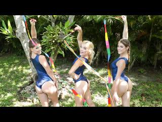 Katie Kush, Kenzie Madison, Lea Lee - Gymnasdick Training (Foursome, Blonde, Brunette, BlowJob, Costume, Deep Throat, Gymnasts)