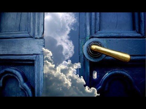Однажды пустив кого то в душу и получив плевок мы закрываем доступ к своим сокровенным желаниям