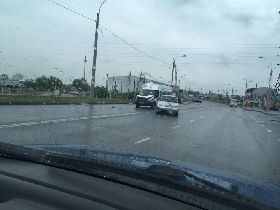 В Курске маршрутка столкнулась с ВАЗом