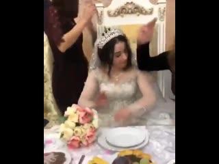 Скромная Дагестанская невеста Нетипичная Махачкала (запалили)