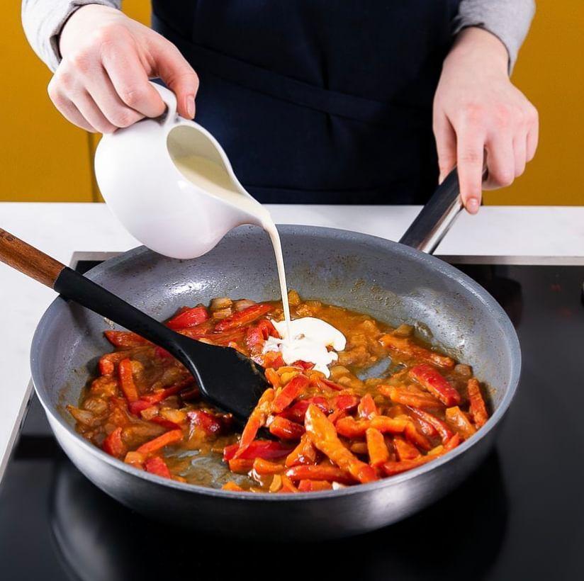Сливочная индейка с болгарским перцем и рисом