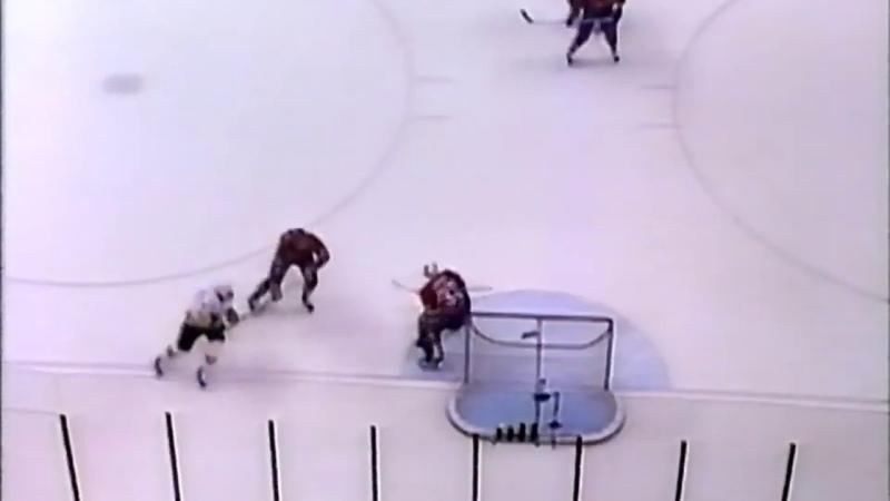 Dmitri Kvartalnov great backhand goal vs Canadiens 1993