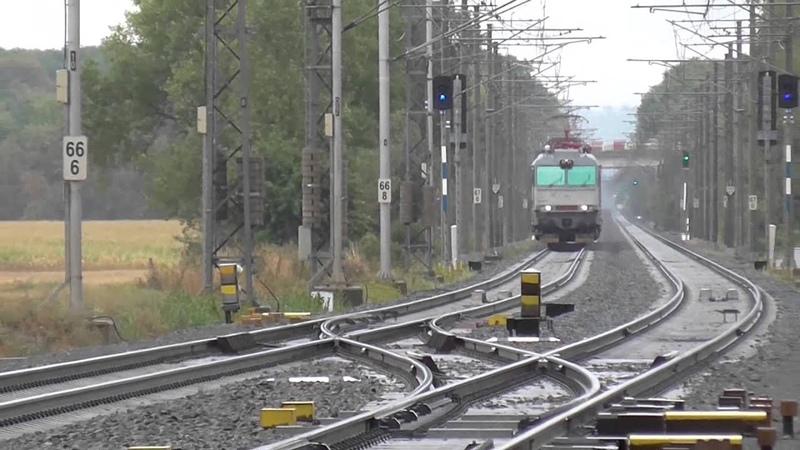 350.001-4 ZSSK retro | ES 499.0001 | na vlaku EC 124 Bečva | jiný pohled kamery