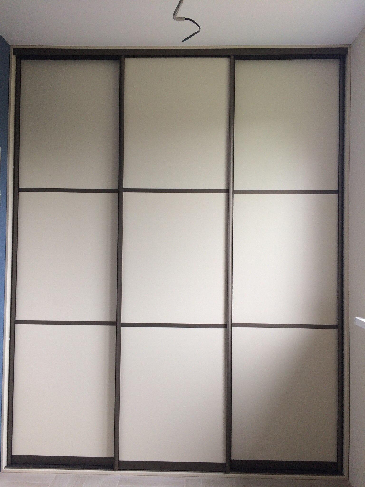 Проектирование и изготовление встроенных шкафов-купе, гардеробных, прихожих.