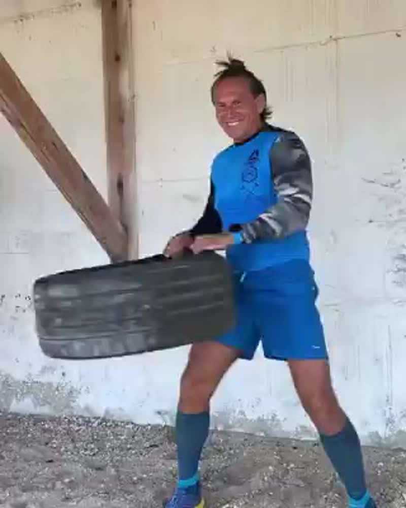 Тренировка на взрыв рук и координацию ног.