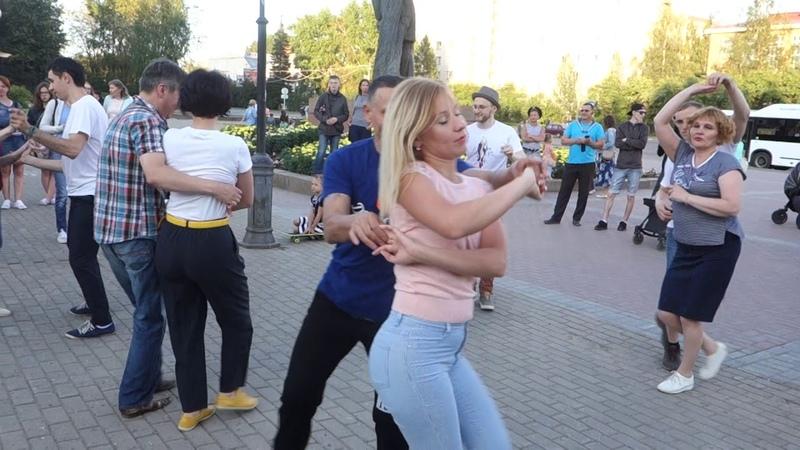 Танцы на Театральной площади г. Сыктывкара 29.07.2018 - 09 - La Pesadilla - Evidence
