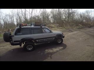 RC трофи Toyota Land Cruiser & Axial SCX10 Dingo