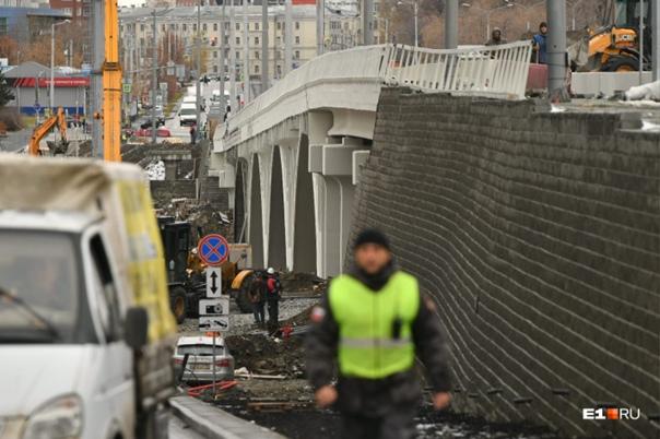 Макаровский мост проверят самосвалами и трамваями....