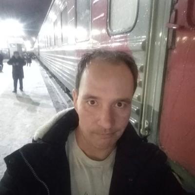 Denis, 40, Yemurtla