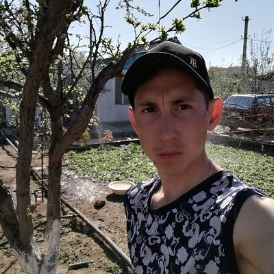Олег, 21, Kapshagay