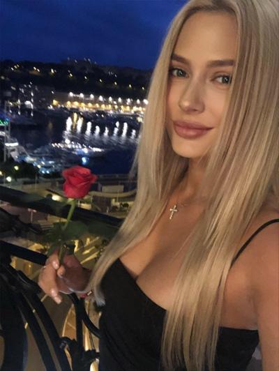 Аня Теплова