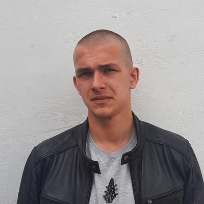 Андрей, 19, Omsk