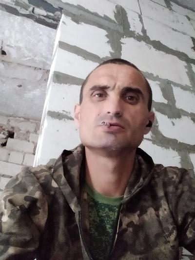 Kirill, 34, Simferopol