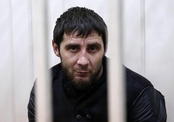 Вот в таких условиях содержится мужчина по имени Заур. Он стал известен после того, как был признан виновным в убийстве политика Бориса Немцова и получил за это 20 лет строгого