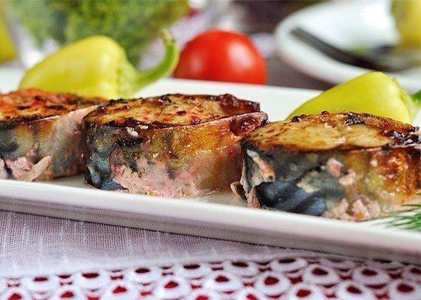 Отличные рыбные рецепты для вас 1. Диетический обед: запеченная скумбрия Ингредиенты: Скумбрия свежемороженая 3 шт. Горчица 3 ч.л. Йогурт 0% 3 ч. л. Соль по вкусу Приготовление: 1. Тщательно